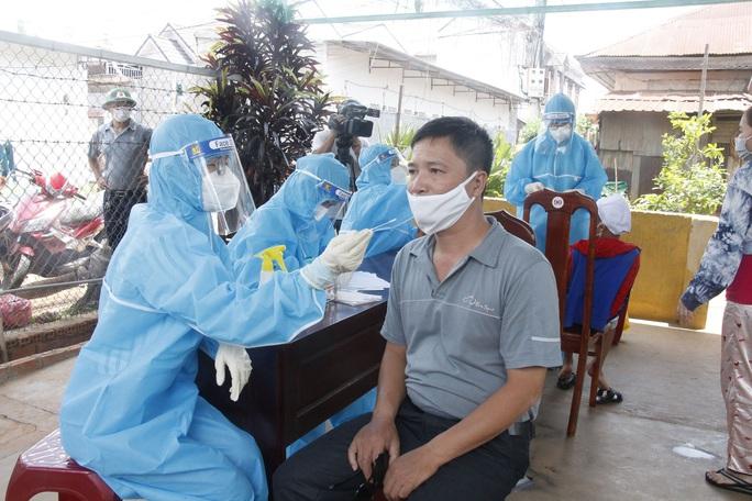 Hơn 500 người liên quan đến ca bệnh Covid-19 ở Đắk Lắk - Ảnh 3.