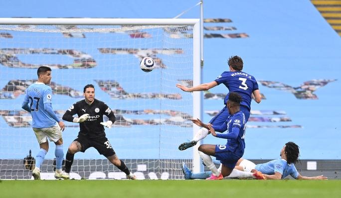 Thua ngược Chelsea ngỡ ngàng, Man City hoãn ngày vui vô địch - Ảnh 7.