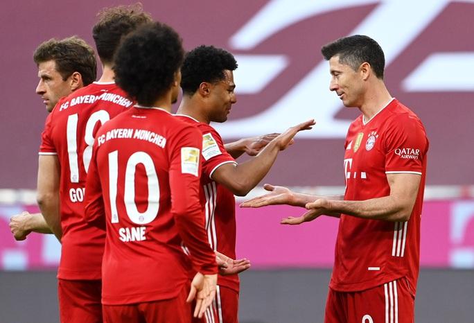 Bayern Munich lập kỷ lục vô địch Bundesliga - Ảnh 3.