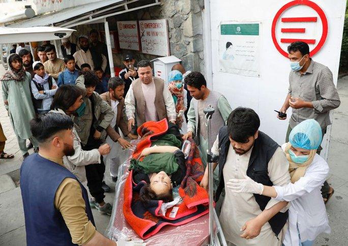 """Hơn 200 người thương vong vì vụ tấn công """"nhằm vào tương lai Afghanistan"""" - Ảnh 1."""