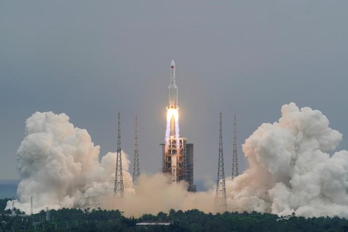 Nhiều người thở phào khi xác định được điểm rơi của tên lửa Trung Quốc - Ảnh 3.