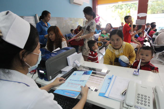 Từ 1-6-2021, không cần mang thẻ bảo hiểm y tế giấy khi khám chữa bệnh - Ảnh 1.