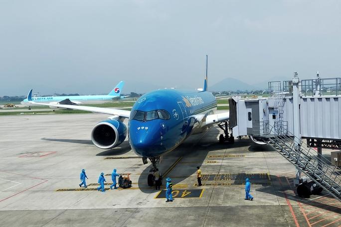 Vietnam Airlines được cấp phép 12 chuyến bay đưa người Việt từ Mỹ về nước - Ảnh 1.