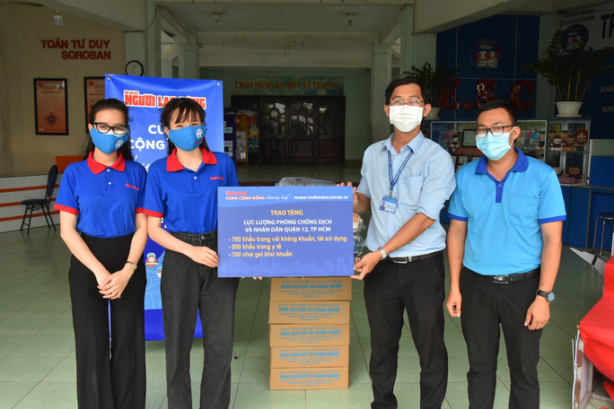 Báo Người Lao Động tiếp sức quận 12 chống dịch - Ảnh 2.