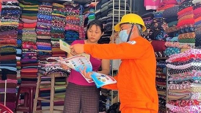 PC Quảng Ngãi: Tăng cường tuyên truyền tiết kiệm điện ngay từ đầu hè - Ảnh 1.