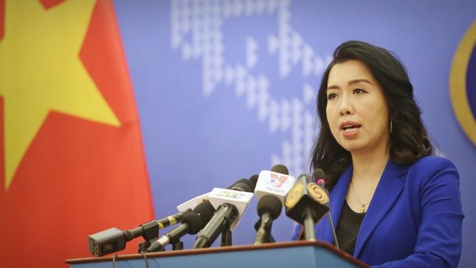 Việt Nam nói về thông tin Trung Quốc lắp đặt xong giàn khoan lớn nhất thế giới - Ảnh 1.