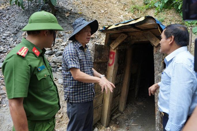 Quảng Nam sẽ dùng 6 tấn thuốc nổ đánh sập hầm vàng ở Vườn quốc gia Sông Thanh - Ảnh 2.