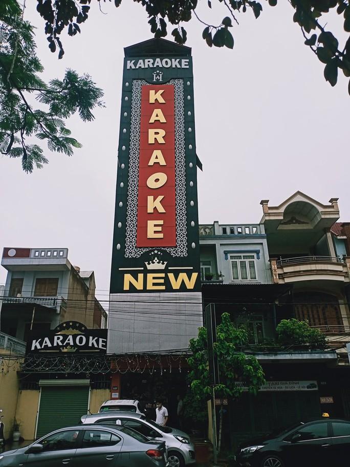 31 dân chơi tụ tập tới quán karaoke New 5 sao bay, lắc giữa mùa dịch - Ảnh 2.