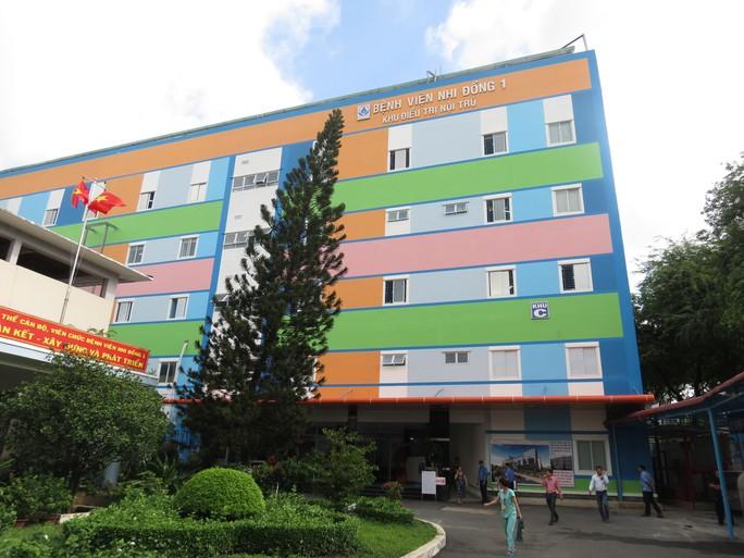 Nhân viên nghi mắc Covid-19: Bệnh viện Nhi Đồng 1 vẫn hoạt động bình thường - Ảnh 1.
