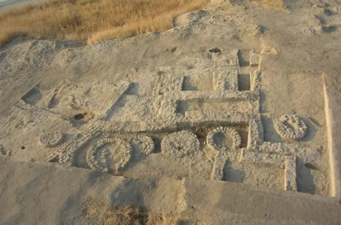 Choáng với thứ như thời hiện đại ở ngôi làng cổ 7.000 năm tuổi - Ảnh 1.
