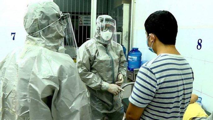 Việt Nam vượt mốc 10.000 ca bệnh Covid-19 - Ảnh 1.