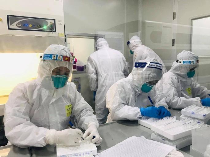 Việt Nam vượt mốc 10.000 ca bệnh Covid-19 - Ảnh 4.