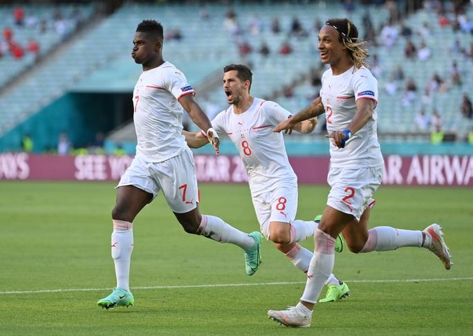 Gareth Bale tịt ngòi, Xứ Wales hòa may mắn trước Thụy Sĩ - Ảnh 3.