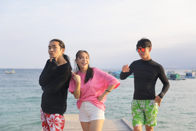 BB Trần, Khả Như đi trượt cát và cái kết - Ảnh 1.