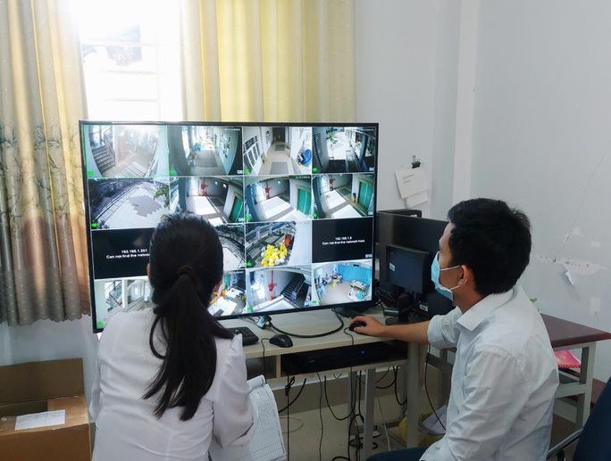 TP HCM: Mắt thần trong các khu cách ly tập trung mới - Ảnh 1.