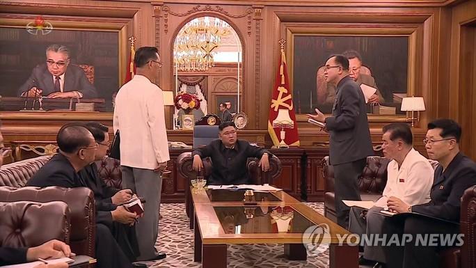 """Nhà lãnh đạo Triều Tiên """"lên dây cót"""" quân đội - Ảnh 1."""