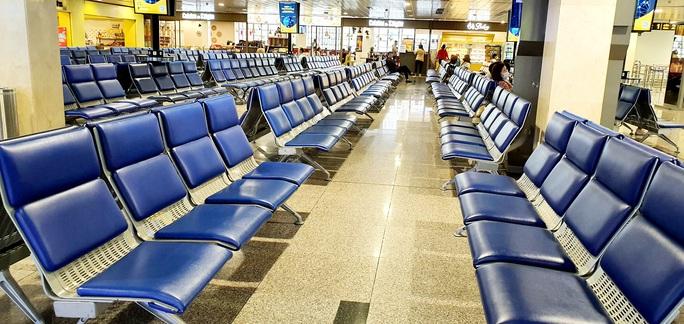 Giá vé chạm đáy, các hãng vẫn nhập nhiều máy bay - Ảnh 1.