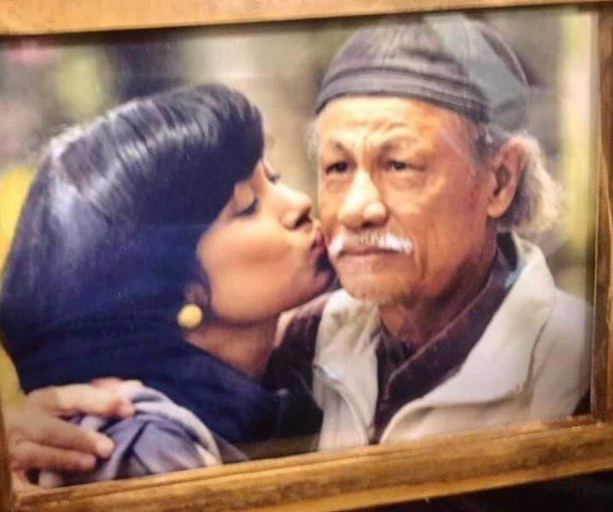 Lý Hùng, Việt Trinh, Hồng Ánh bàng hoàng, thương tiếc đạo diễn Lê Cung Bắc - Ảnh 2.