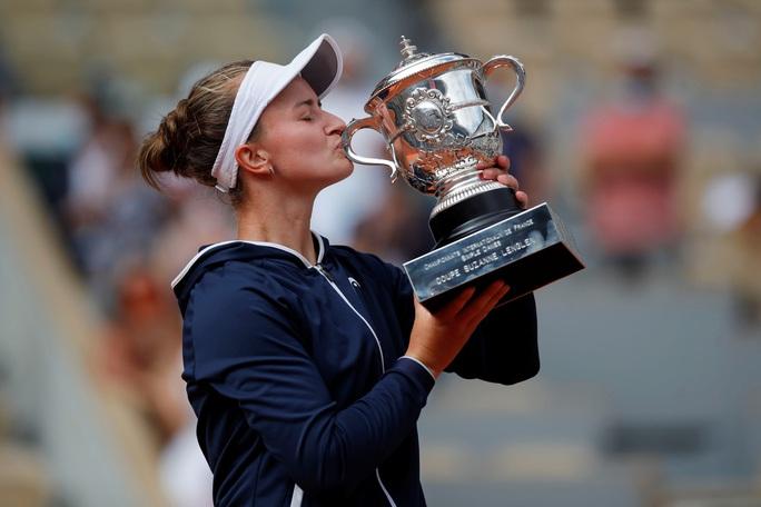 Chân dung nữ hoàng Roland Garros 2021 - Ảnh 1.