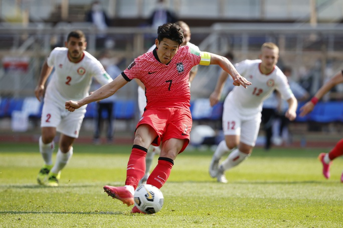 Son Heung Min lập công, Hàn Quốc giúp tuyển Việt Nam loại được 2 đối thủ - Ảnh 1.