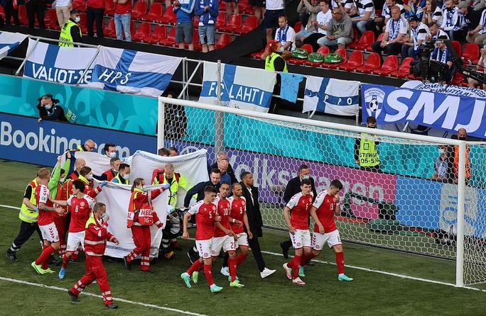 Cú sốc Eriksen và cách ứng xử đầy tình người của bóng đá châu Âu - Ảnh 12.