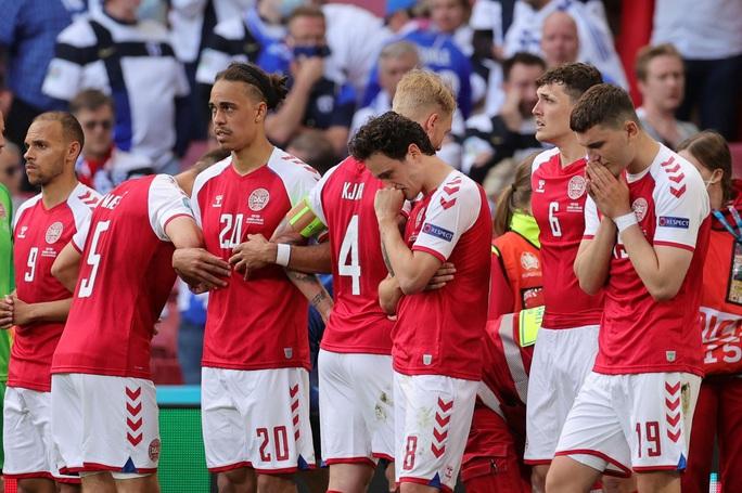 Cú sốc Eriksen và cách ứng xử đầy tình người của bóng đá châu Âu - Ảnh 7.