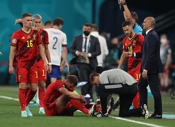 Vỡ xương hốc mắt, sao tuyển Bỉ chia tay Euro 2020 - Ảnh 6.