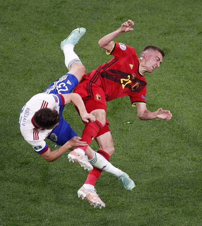 Vỡ xương hốc mắt, sao tuyển Bỉ chia tay Euro 2020 - Ảnh 1.