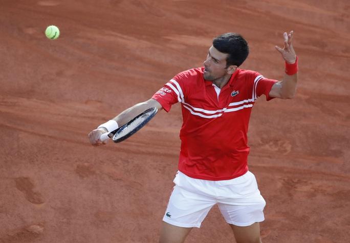 Djokovic vô địch Roland Garros 2021 sau màn ngược dòng thắng ngoạn mục - Ảnh 3.
