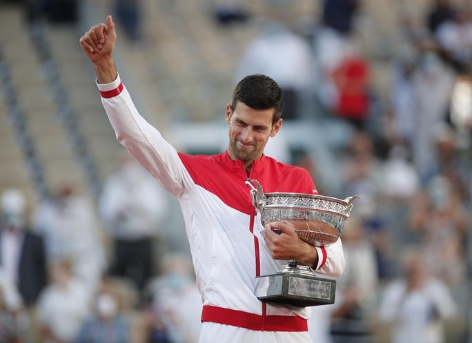 Djokovic vô địch Roland Garros 2021 sau màn ngược dòng thắng ngoạn mục - Ảnh 8.