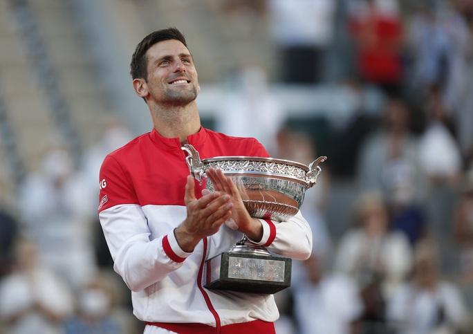 Djokovic vô địch Roland Garros 2021 sau màn ngược dòng thắng ngoạn mục - Ảnh 10.