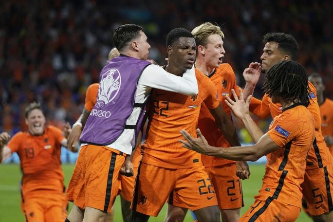 Cơn lốc màu da cam Hà Lan thắng kịch tính ngày ra quân Euro 2020 - Ảnh 5.