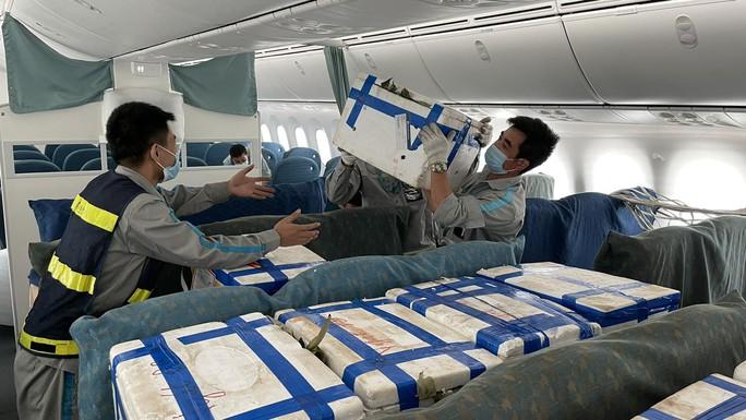 Xin ý kiến Bộ GTVT về việc Vua hàng hiệu Johnathan Hạnh Nguyễn lập hãng hàng không - Ảnh 1.