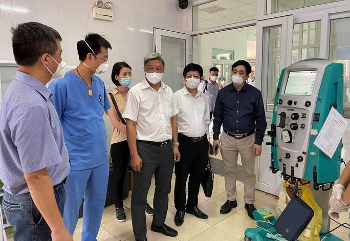 Thứ trưởng Nguyễn Trường Sơn rời tâm dịch Bắc Giang, nhận nhiệm vụ mới ở TP HCM - Ảnh 3.