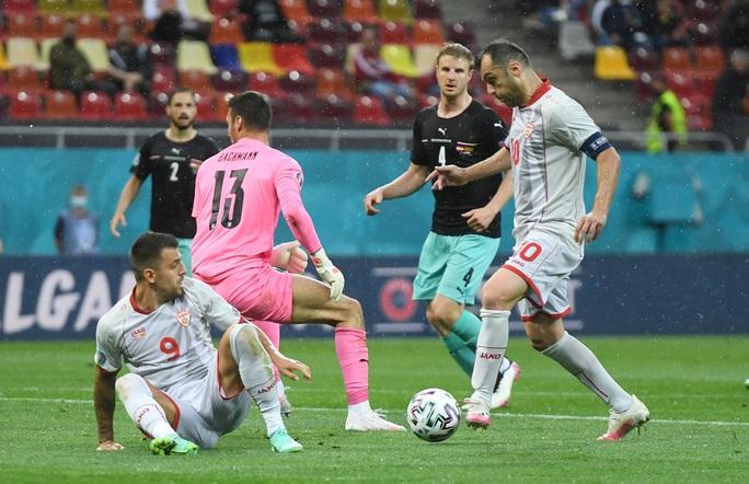 Sao 38 tuổi ghi bàn lịch sử, Bắc Macedonia trắng tay trước Áo - Ảnh 3.