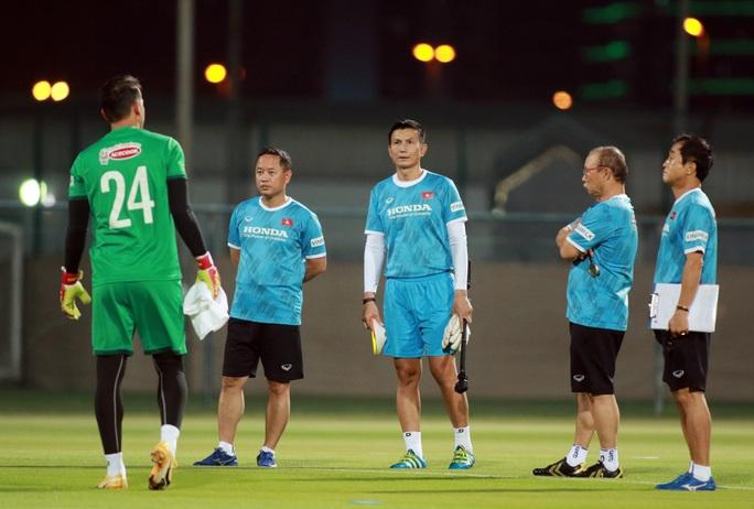 Giải mã cánh tay mặt của HLV Park Hang-seo sẽ lần đầu tiên chỉ đạo tuyển Việt Nam - Ảnh 1.