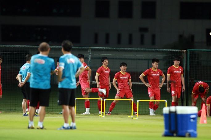 Giải mã cánh tay mặt của HLV Park Hang-seo sẽ lần đầu tiên chỉ đạo tuyển Việt Nam - Ảnh 3.