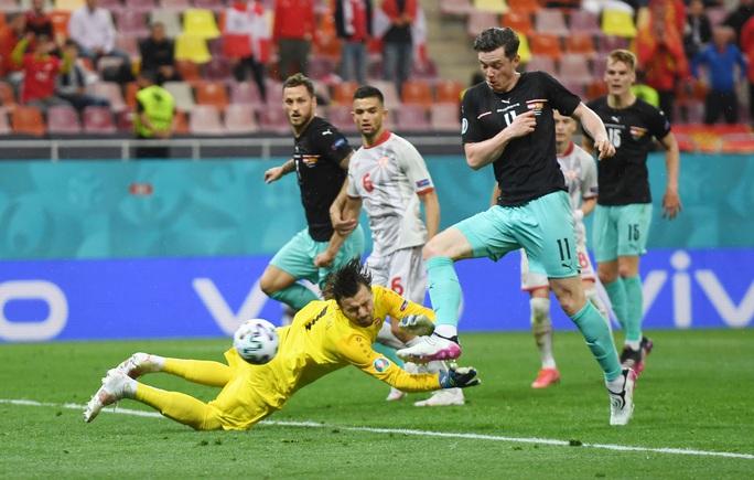 Sao 38 tuổi ghi bàn lịch sử, Bắc Macedonia trắng tay trước Áo - Ảnh 5.