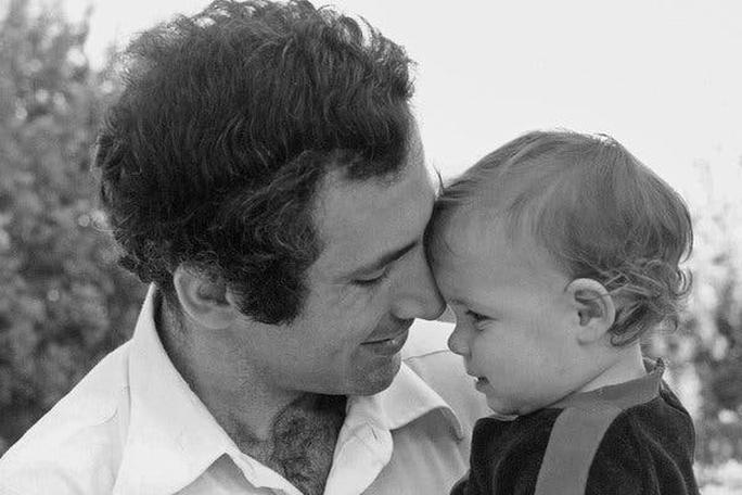 Cuộc đời cựu Thủ tướng Israel Netanyahu qua ảnh - Ảnh 2.