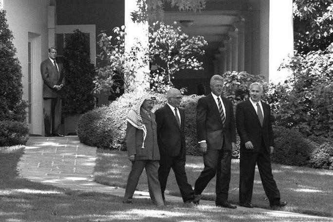 Cuộc đời cựu Thủ tướng Israel Netanyahu qua ảnh - Ảnh 6.