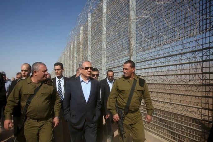 Cuộc đời cựu Thủ tướng Israel Netanyahu qua ảnh - Ảnh 10.