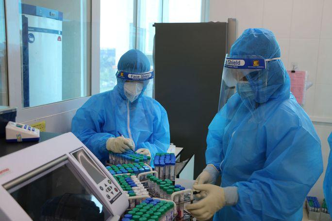 Hà Tĩnh: Phát hiện thêm 6 F1 dương tính với virus SARS-CoV-2 - Ảnh 1.