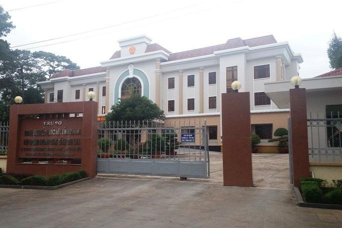 Khởi tố kế toán và nguyên Chánh Văn phòng Đoàn ĐBQH-HĐND tỉnh Gia Lai - Ảnh 1.