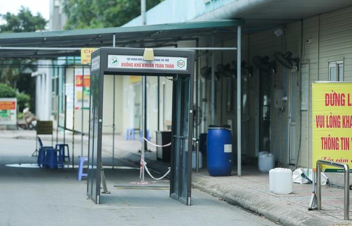 CLIP: Bệnh viện Đức Giang ngừng nhận bệnh nhân sau ca dương tính SARS-CoV-2 mới - Ảnh 5.