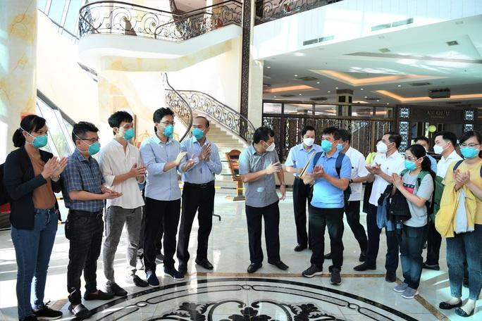 Đội phản ứng nhanh Bệnh viện Chợ Rẫy rời Bắc Giang về TP HCM - Ảnh 4.