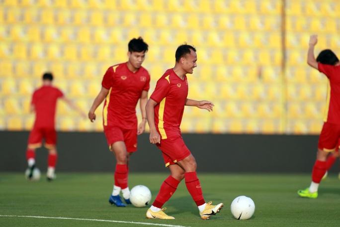 Tuấn Anh vắng mặt trong danh sách tuyển Việt Nam đăng ký gặp UAE tối nay - Ảnh 7.
