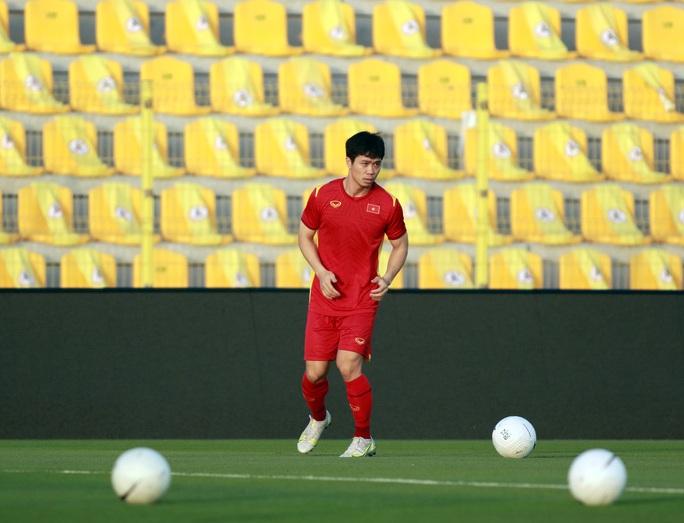 Tuấn Anh vắng mặt trong danh sách tuyển Việt Nam đăng ký gặp UAE tối nay - Ảnh 5.