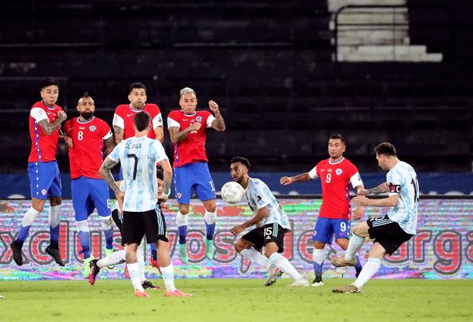 Messi lập siêu phẩm, Argentina chia điểm tiếc nuối với Chile - Ảnh 3.