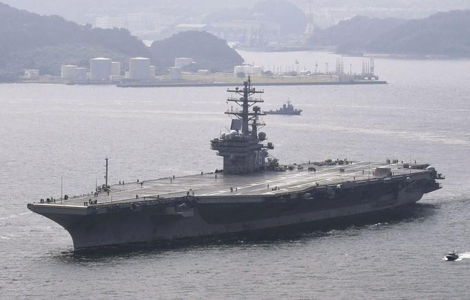 Nhóm tác chiến tàu sân bay Mỹ vào biển Đông - Ảnh 2.
