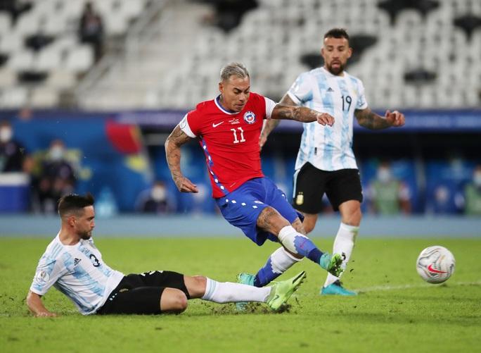 Messi lập siêu phẩm, Argentina chia điểm tiếc nuối với Chile - Ảnh 5.
